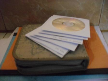 CD Software Bajakan hehehe...