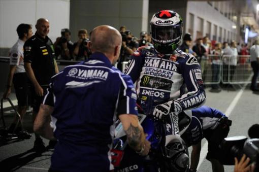 Jorge Lorenzo Juara  Seri Pembuka MotoGP Losail Qatar, Sempat Gugup Sebelum Lomba (crash)